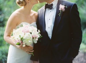 wedding-couple-photos-for-garden-wedding